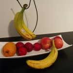 Rangez le panier de fruits au frigidaire.